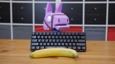 K čemu je hráčům klávesnice velká asi jako banán?!