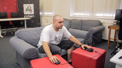 Otestovali jsme klávesnici a myš pro PlayStation 4. Je to výhoda či prokletí?